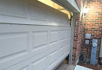 Garage Door Troubleshooting In Elwood NY